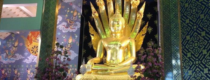 ตำหนักสมเด็จ วัดพระธาตุช่อแฮ is one of ลำพูน, ลำปาง, แพร่, น่าน, อุตรดิตถ์.
