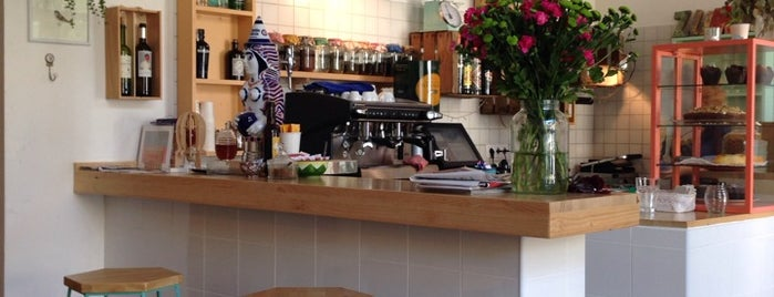 Café Cometa is one of Breakfast and nice cafes in Barcelona.