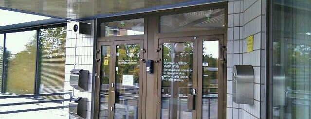 Martinlaakson kirjasto is one of HelMet-kirjaston palvelupisteet.