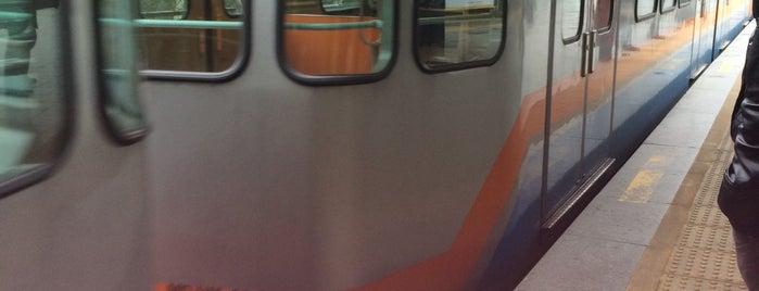 Yenibosna Metro İstasyonu is one of M1A / M1B - Metro İstasyonları.