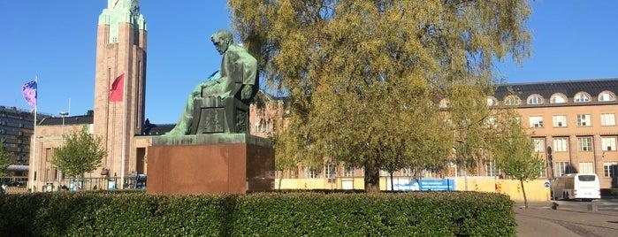 Aleksis Kivi statue is one of Patsaat ja muistomerkit.
