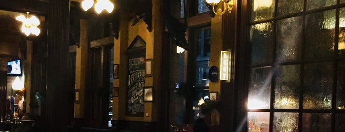 Nicholson's Tavern and Pub is one of Cincy - Food to Try.