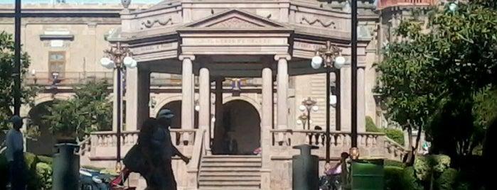 Plaza de Armas is one of Viajes.
