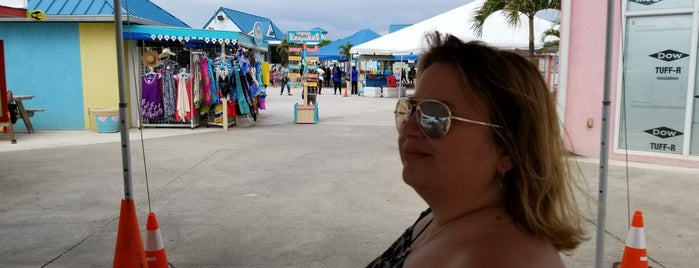 Grand Cayman Cruise Terminal is one of Where I have been.
