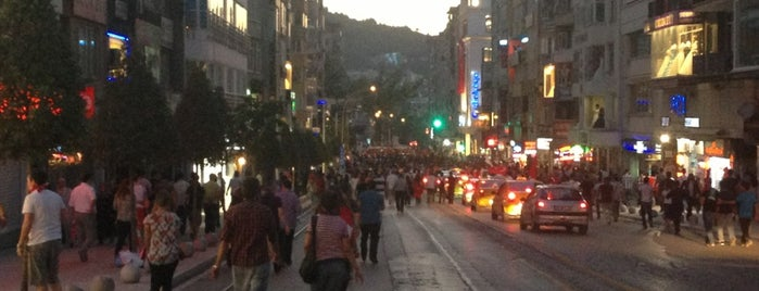 Altıparmak Caddesi is one of Liste.