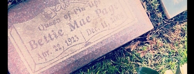 Bettie Page's Gravesite is one of Los angeles.