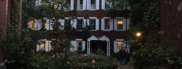 Grove Court is one of Sights in Manhattan.