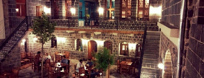 Saray Kapı Kahvaltı & Cafe is one of Xwarin.