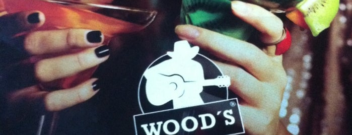 Wood's is one of lugares daoras.