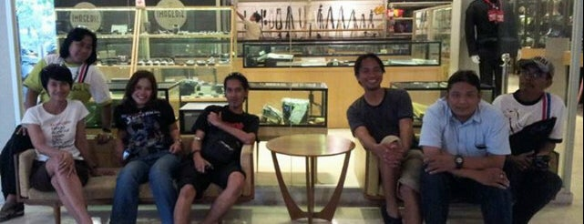IMAGERIE Photographie Boutique & Galerie-Café is one of Destination in Jakarta..