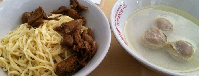 Bakmi Parahyangan is one of Bandung Kuliner.