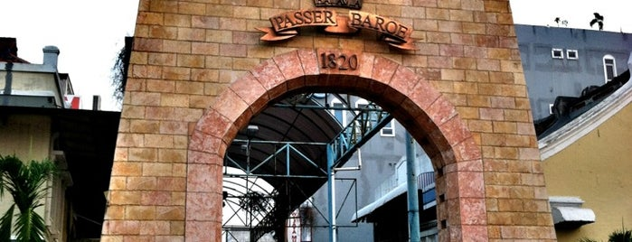 Pasar Baru (Passer Baroe) is one of Jakarta. Indonesia.
