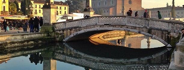 Prato della Valle is one of Padova.
