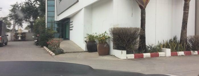 ทางด่วนทับช้าง is one of ถนน.