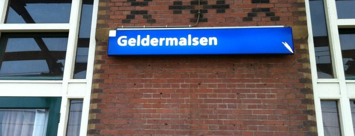 Station Geldermalsen is one of Public transport NL.