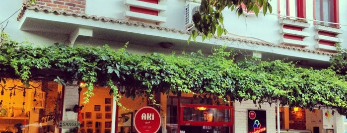 Aki Cafe&Store is one of Canakkale.