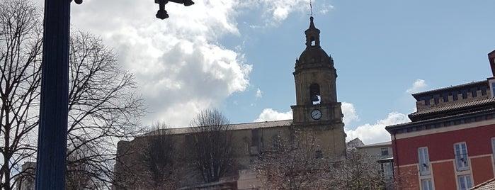 Basílica Santa María is one of Les chemins de Compostelle.