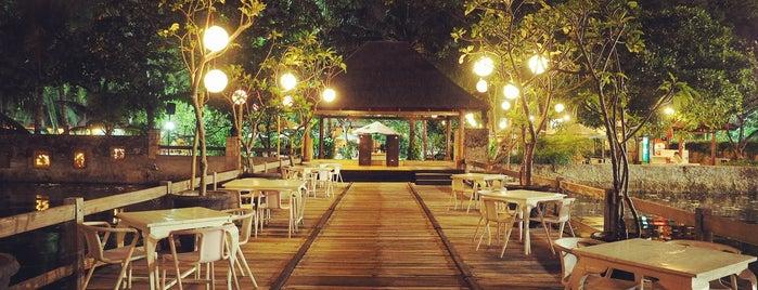 Oceanic Cafe Pantai Mutiara Pluit is one of Cafe @Jakarta.