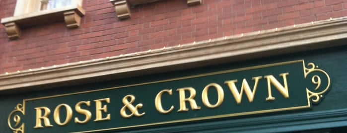 The Rose & Crown Pub & Dining Room is one of Walt Disney World - Epcot.