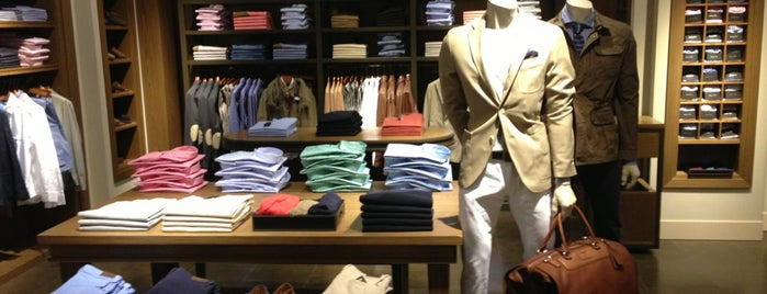 Massimo Dutti is one of ТРЦ «Дафи».