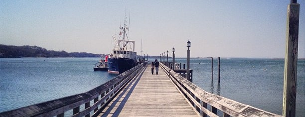 Port Jefferson Harbor is one of Places I have been to.