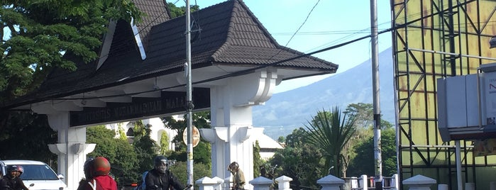 Universitas Muhammadiyah Malang is one of The best after-work drink spots in.