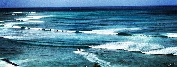 Waikīkī Beach is one of Bucket List ☺.