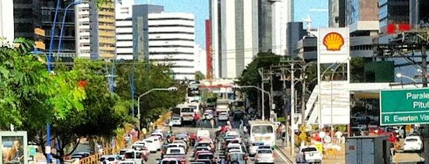 Avenida Tancredo Neves is one of Ruas.