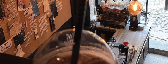 El Cartel Coffee is one of İzmir 3. Dalga Kahveciler.