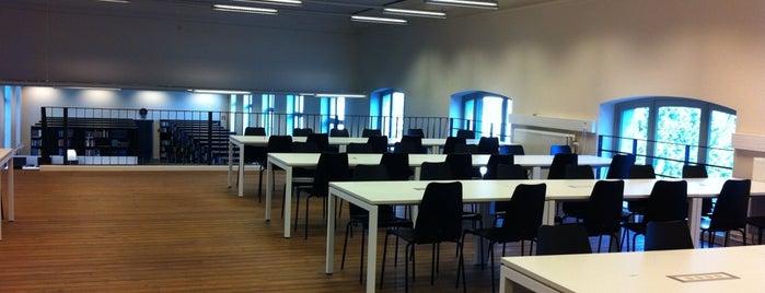 Faculteitsbibliotheek Letteren en Wijsbegeerte is one of Student van UGent.