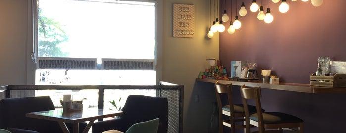 Sofá Café is one of Melhores Confeitarias, Padarias, Cafés do RJ.
