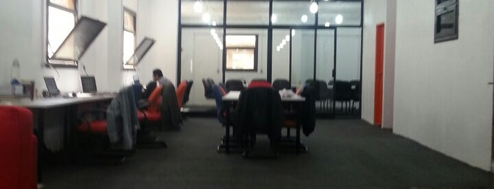 Qafeer Labs is one of Egypt Coworking Spaces.
