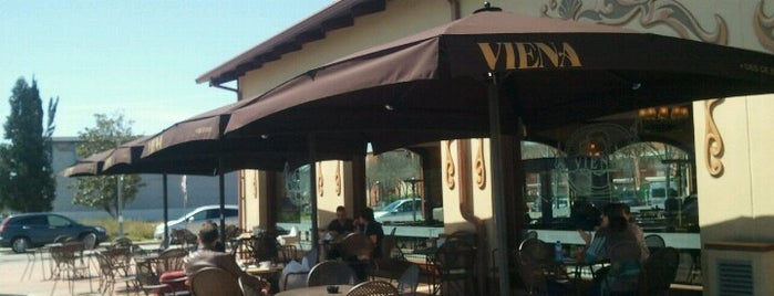 Viena is one of Restaurants i Bars.