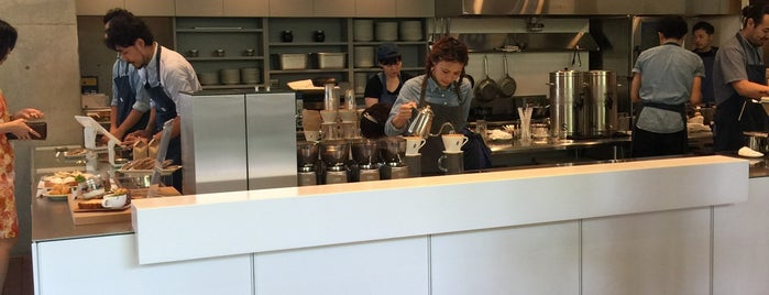Blue Bottle Coffee 青山カフェ is one of 行きたい.