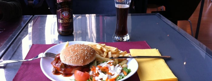 Burguers & Beer is one of Restaurantes com comida vegetariana.