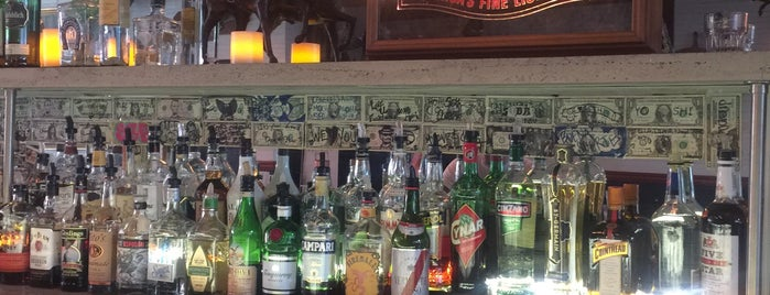 Starliner Bar is one of The 15 Best Places with a Happy Hour in Bushwick, Brooklyn.