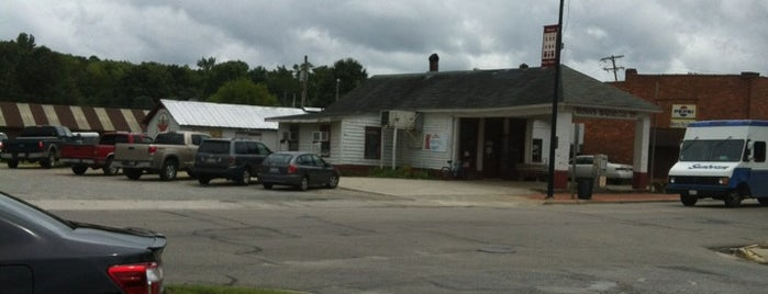 Bunn's Bar-B-Q is one of 500 Things to Eat & Where - South.