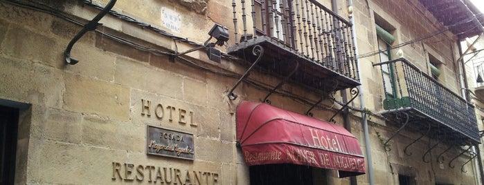 Posada Mayor de Migueloa (Bodega y Restaurante) is one of Restaurantes.