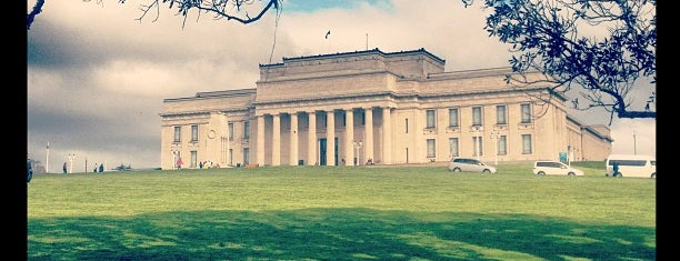 Auckland Museum is one of Auckland.