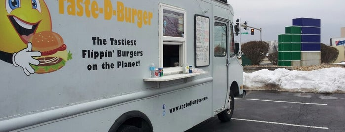 Taste-D-Burger is one of St. Louis food trucks.