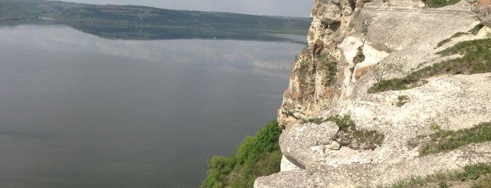 Печерний Монастир is one of загород.