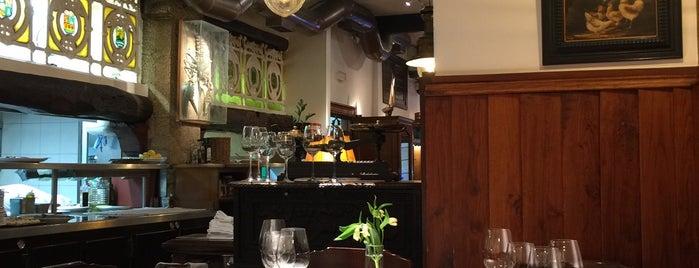 Juanito Kojua is one of Restaurantes y bares favoritos.