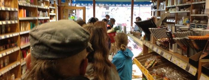 Bio Shop Den Teepot is one of Lunch.