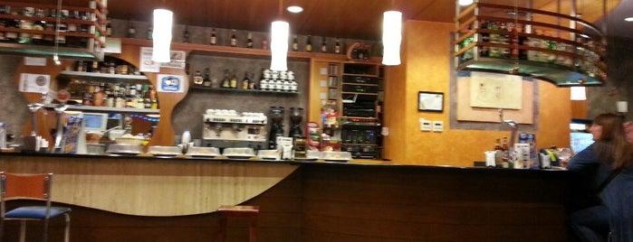 Bar Kerkuss is one of Pintxos y Tapas en Vitoria-Gasteiz.