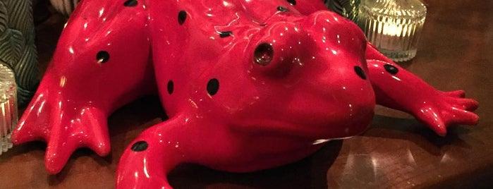 Red Frog Speakeasy Bar is one of Food & Fun - Lisboa.