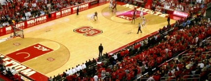 PNC Arena is one of Meus lugares.