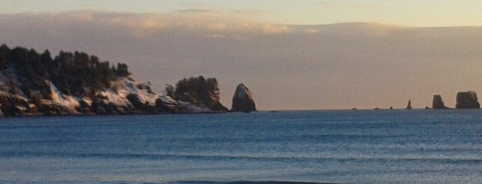 Quileute Indian Reservation is one of Olympic National Park 💚.