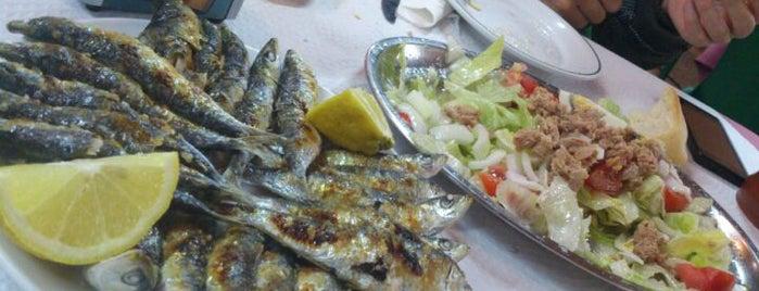 Las Acacias is one of Restaurantes que admiten cheques Gourmet.