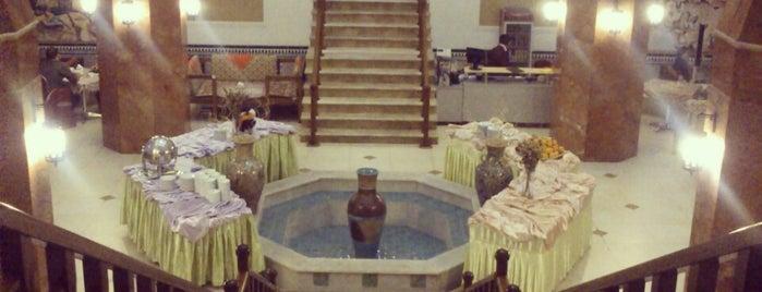 Safaiyeh Hotel | هتل صفائیه is one of Hoteles en que he estado.