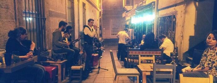Cafe De Vore is one of İstanbul'a özel ;).